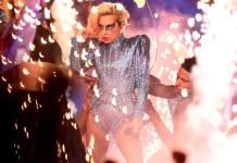 lady Gaga met le feu au super Bowl 2017