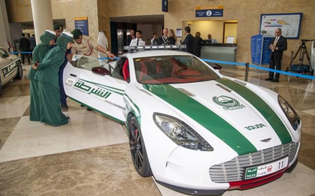 Dubai-Police-Cars-01