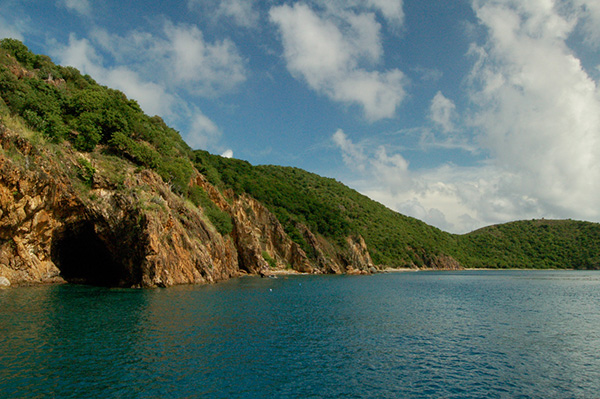 the caves bvi, the caved diving, the caves norman island