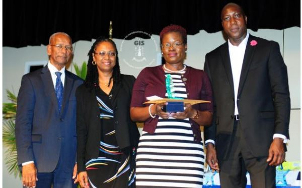 Honourable Dr. D. Orlando Smith, Premier and Minister of Finance, Mrs., Brenda Lettsome -Tye, Teacher of the Year – Primary, Ms. Sharmin Nibbs (Joyce Samuel Primary School )and Honourable Myron Walwyn, Minister for Education and Culture.