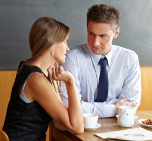 Как понять что начальник влюблен но скрывает свои чувства. Как узнать, что мужчина влюблен в вас?