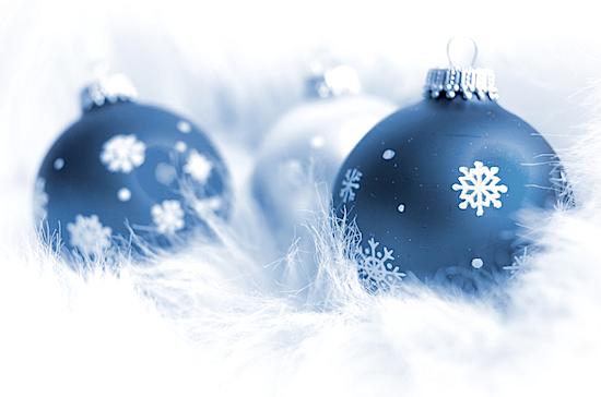 christbaumkugeln-blau-weiss