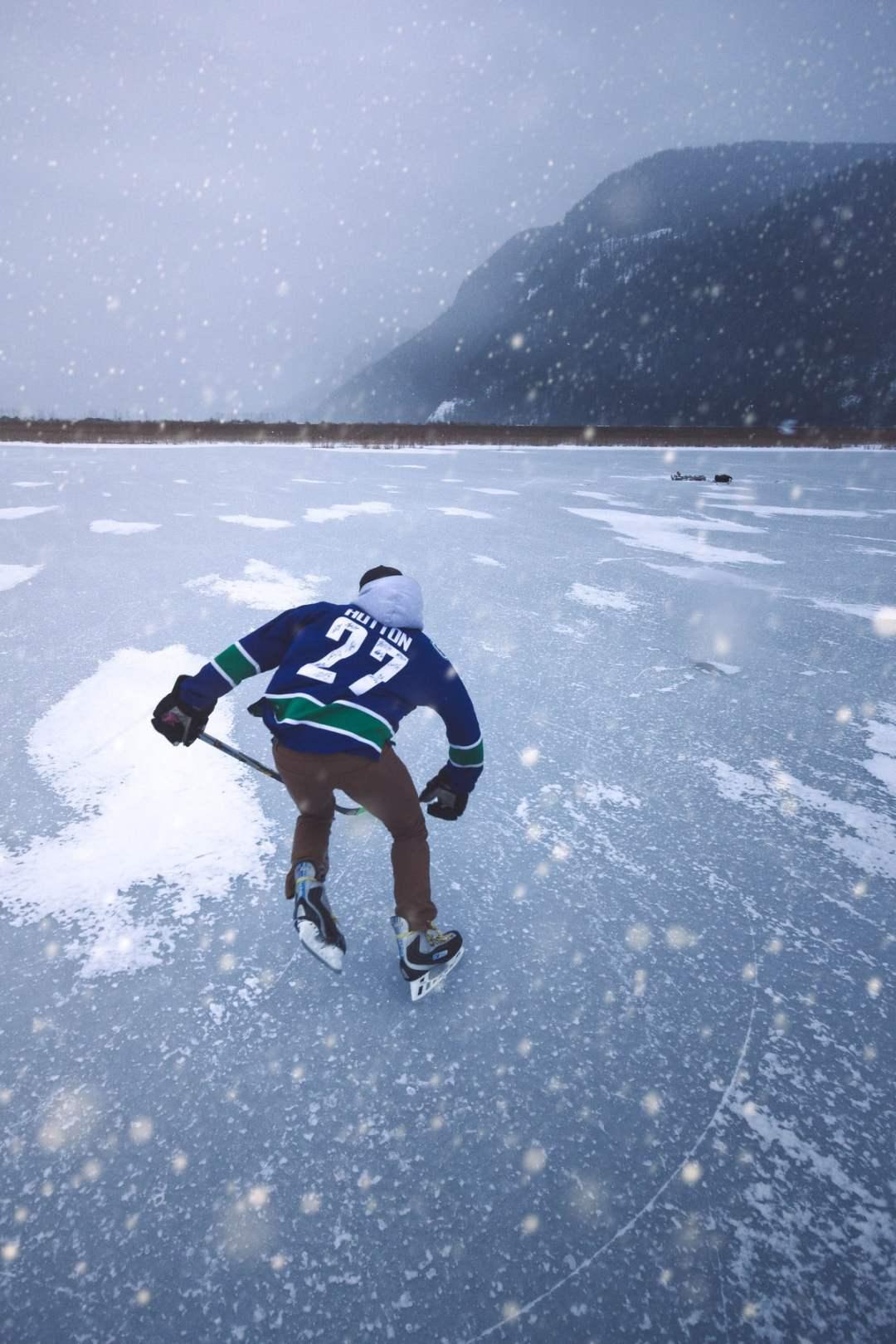 DerekPondHockeySNOW2.jpg