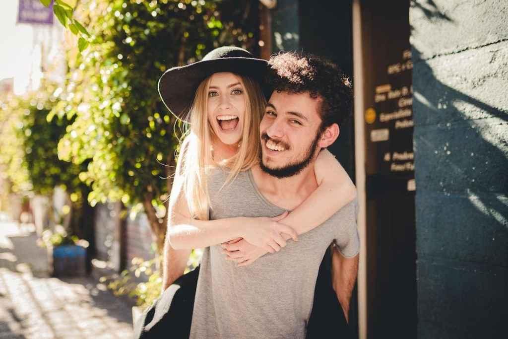 candid-couple-photoshoot