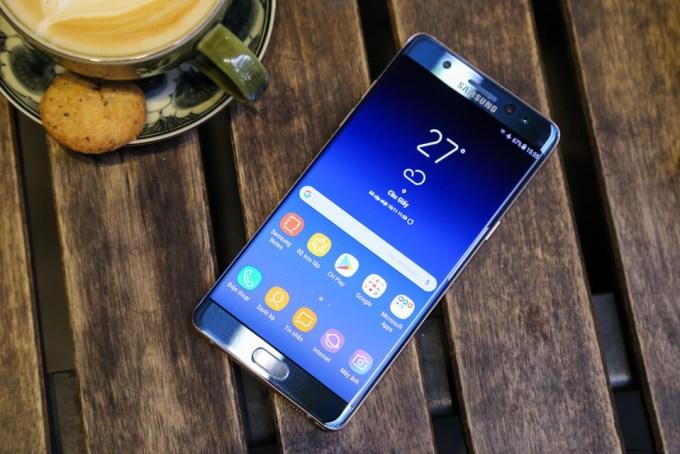 top 5 smartphone duoi 20 trieu dong dang mua nhat dip cuoi nam 2017 hinh anh 5