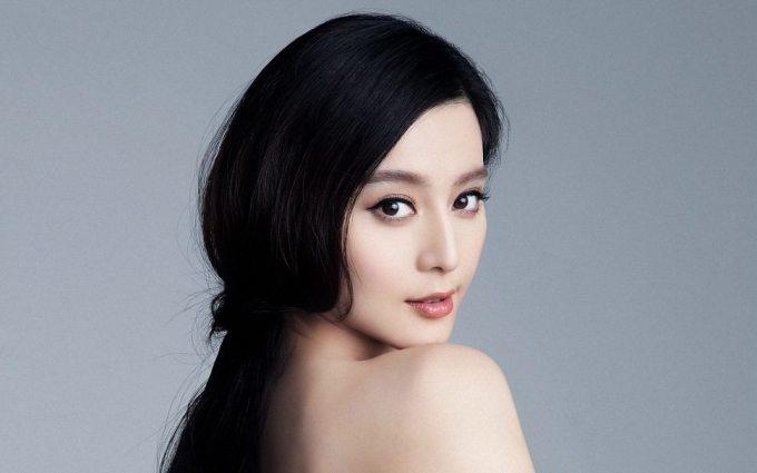 top 7 my nhan hoa ngu so huu sac dep nghieng nuoc nghieng thanh hinh anh 2