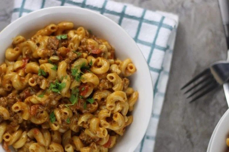 My Instant Pot Cheeseburger Macaroni Homemade Hamburger Helper Recipe is an awesome almost effortless,homemade hamburger helper. #easy #homemade #instantpot #cheeseburgers #beef #pasta #hamburgerhelper #onepot