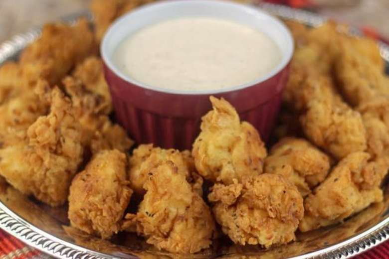 close up of crispy chick fil a chicken copycat