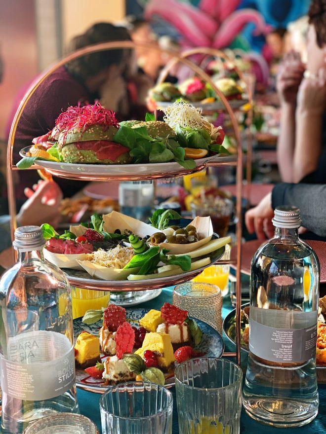 by ami lunch arrangement deluxe
