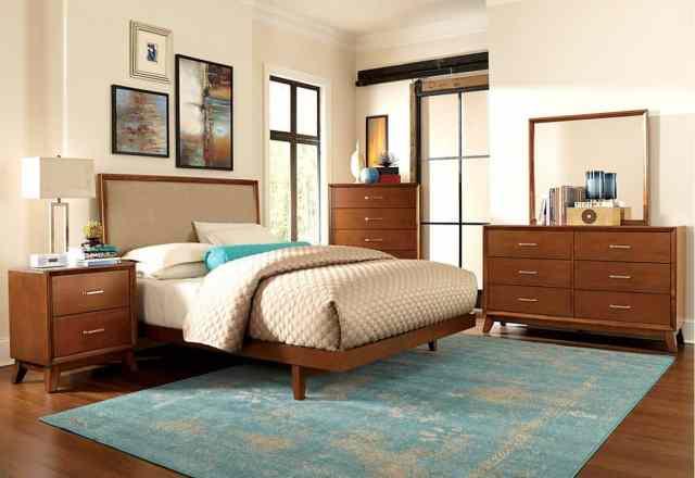 Mid Century Modern Bedroom: Dressers, Lamps, Decor - byBESPOEK