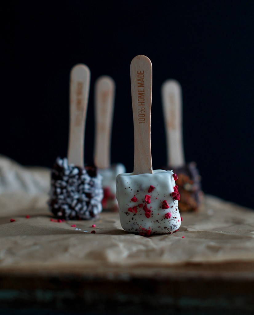 Cake-pops-with-raw-cake-1