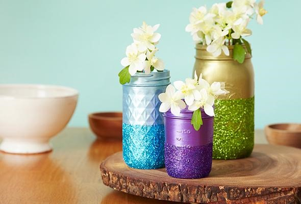 How to decorate with mason jars