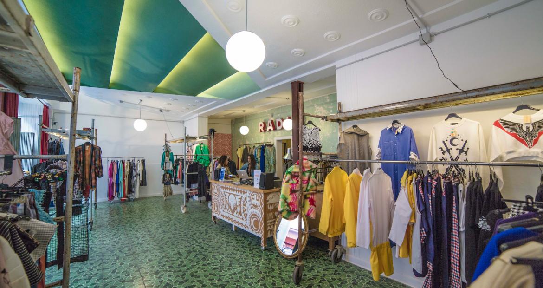The Closet Club Madrid, la primera biblioteca de ropa | By Cousiñas