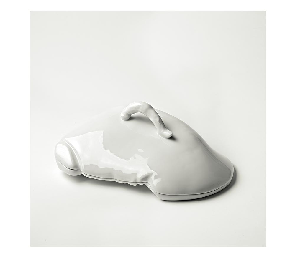 Marre Moerel, pieza de vajilla realizada con intestino