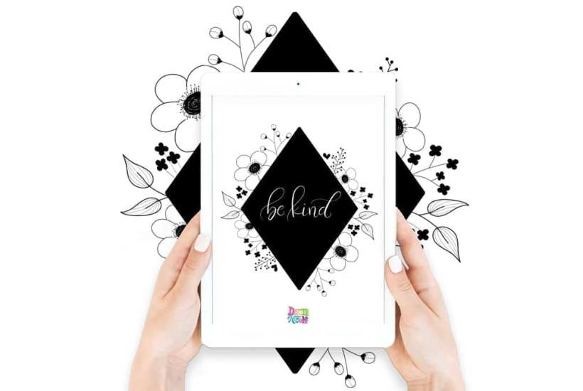 Procreate Tutorial: Floral Framed Calligraphy. Learn how easy it is to create this look with a step-by-step tutorial and video lesson!