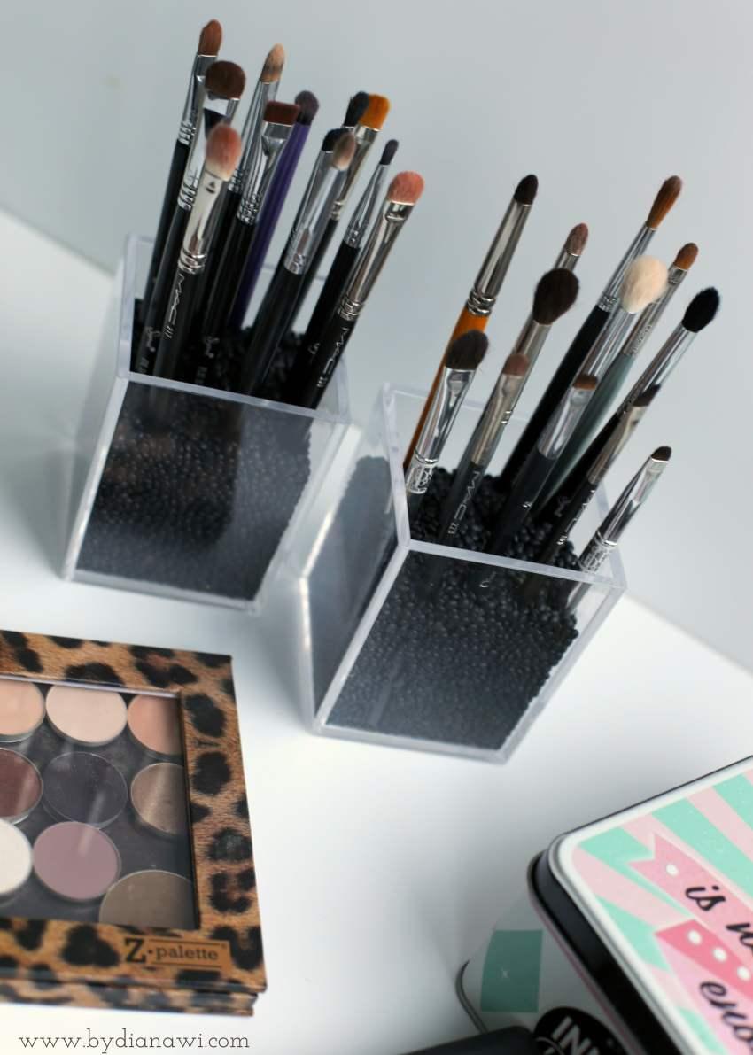 makeup børster, sådan organiserer jeg makeup