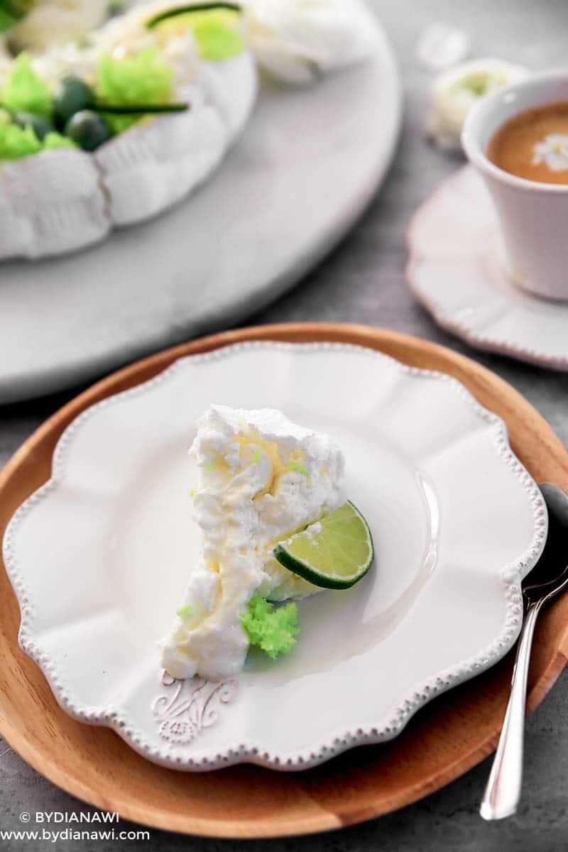 Pavlova kage til påskefrokost, marengskage med ostecreme