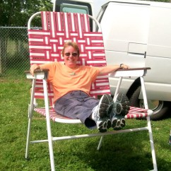 Huge Lawn Chair Antique Childs Rocking Tennessee Places We Go People See Diane Cormier Tries Out A Really Big