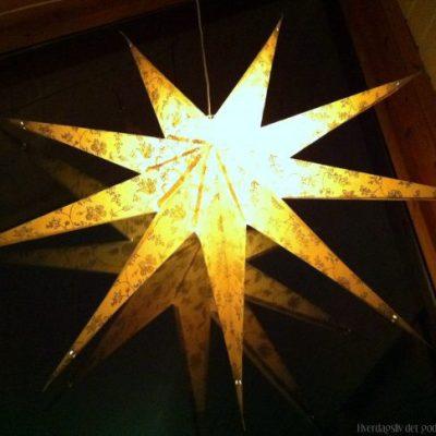 En stjerne skinner over vår julelandsby