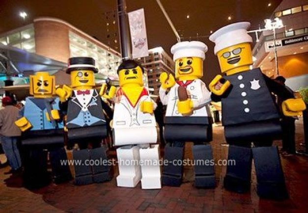 xcoolest-homemade-lego-minifigures-group-costume-18-21303345.jpg.pagespeed.ic.H1GhQ2bKIn