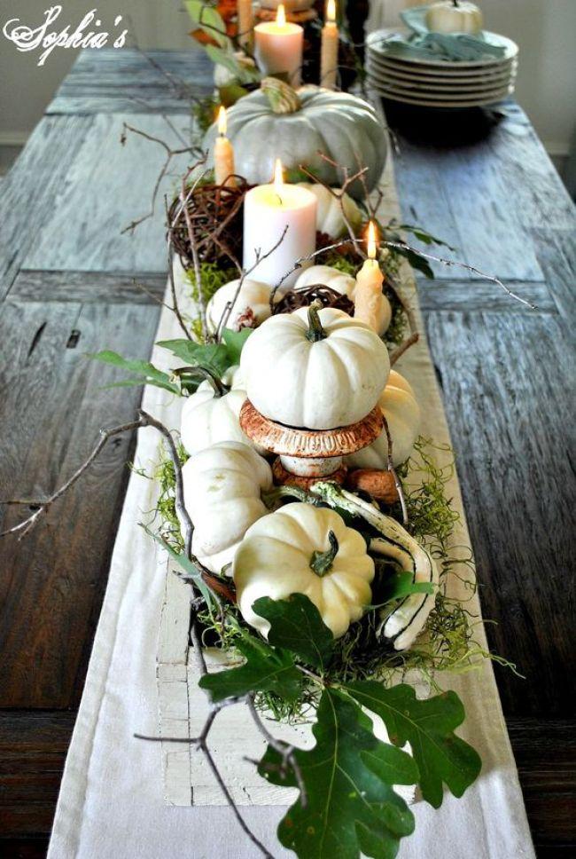 høst- pynt bordet med gresskar