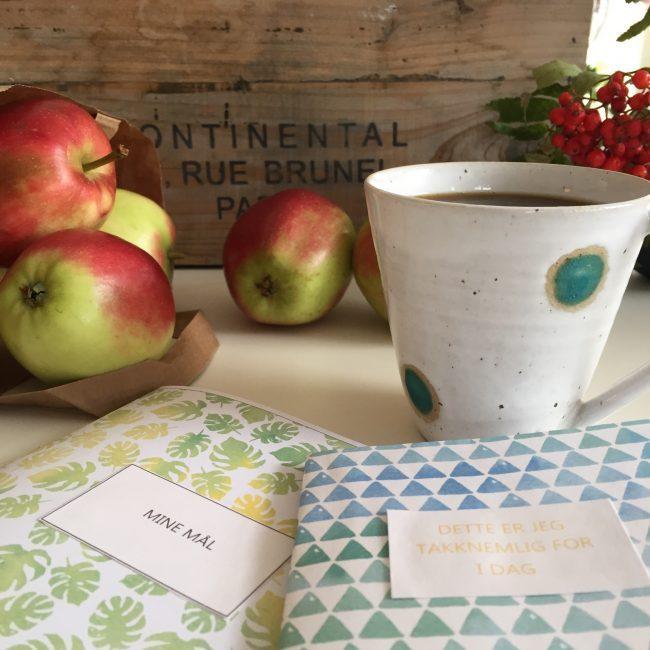 Høstens stemningsfulle gavepapir skriver du ut selv