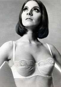 Low-cut tops meant the demi-cut bra was now a wardrobe staple.