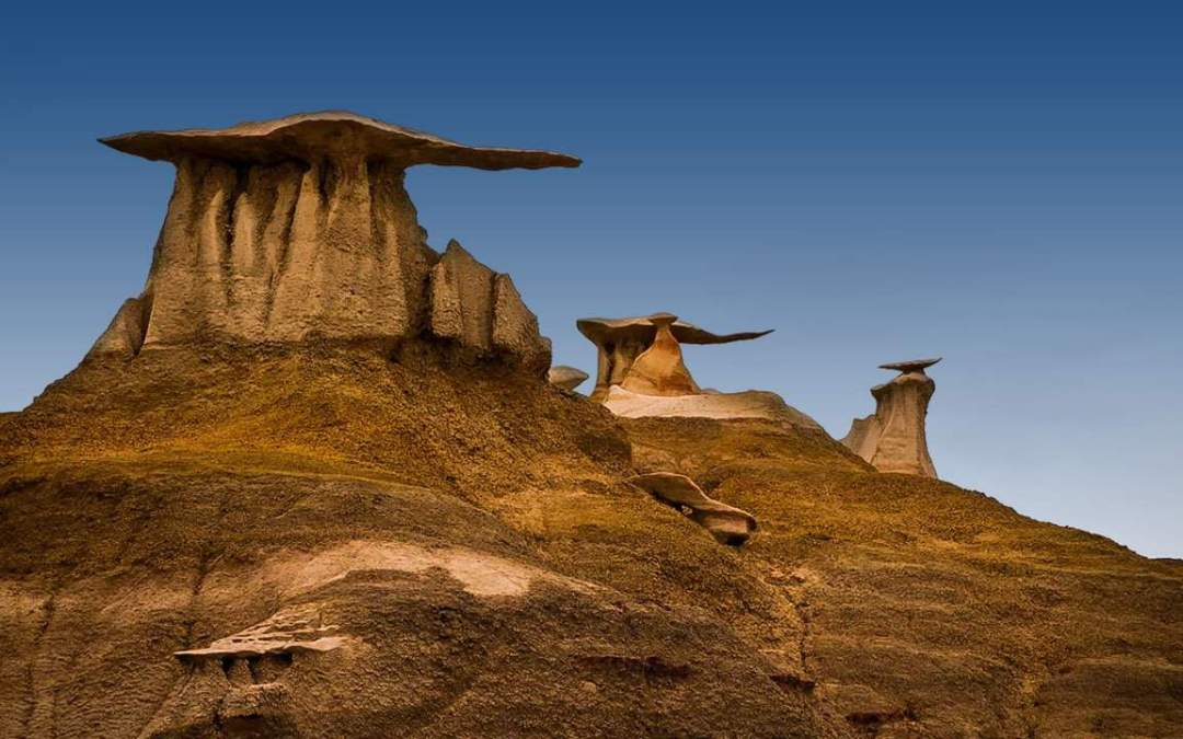 Exploring the Ancient and Otherworldly Bisti Badlands in New Mexico