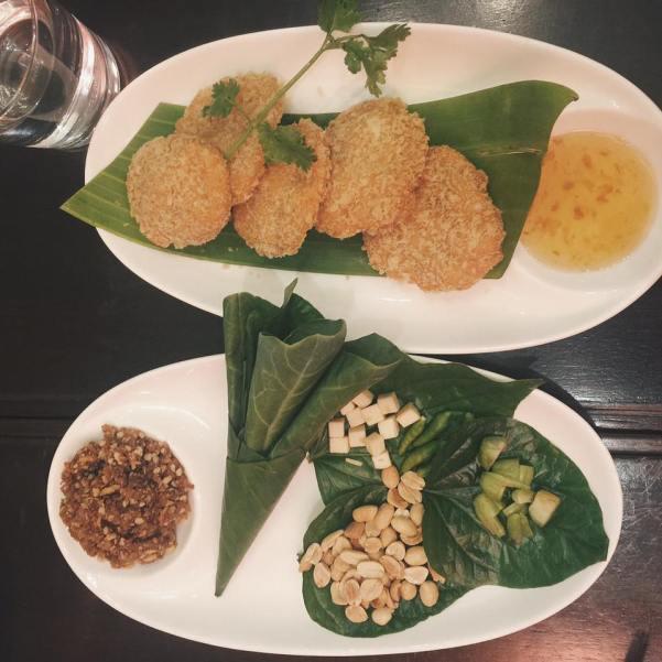 """Nhà hàng gì đó quên mất tên rồi :""""> ở Siam Paragon. Vào đây ăn gặp toàn zai đẹp gái xinh chân dài :"""">"""