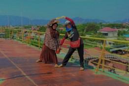 Bergaya L.O.V.E. tanda cinta kasih kami bagi Banda Aceh