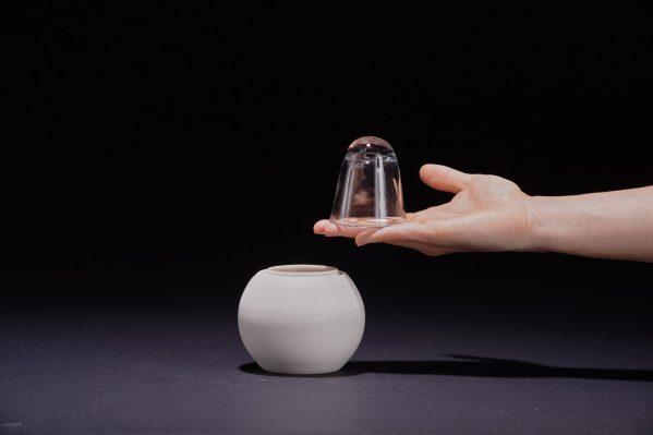 boite en céramique porcelaine et son couvercle en verre