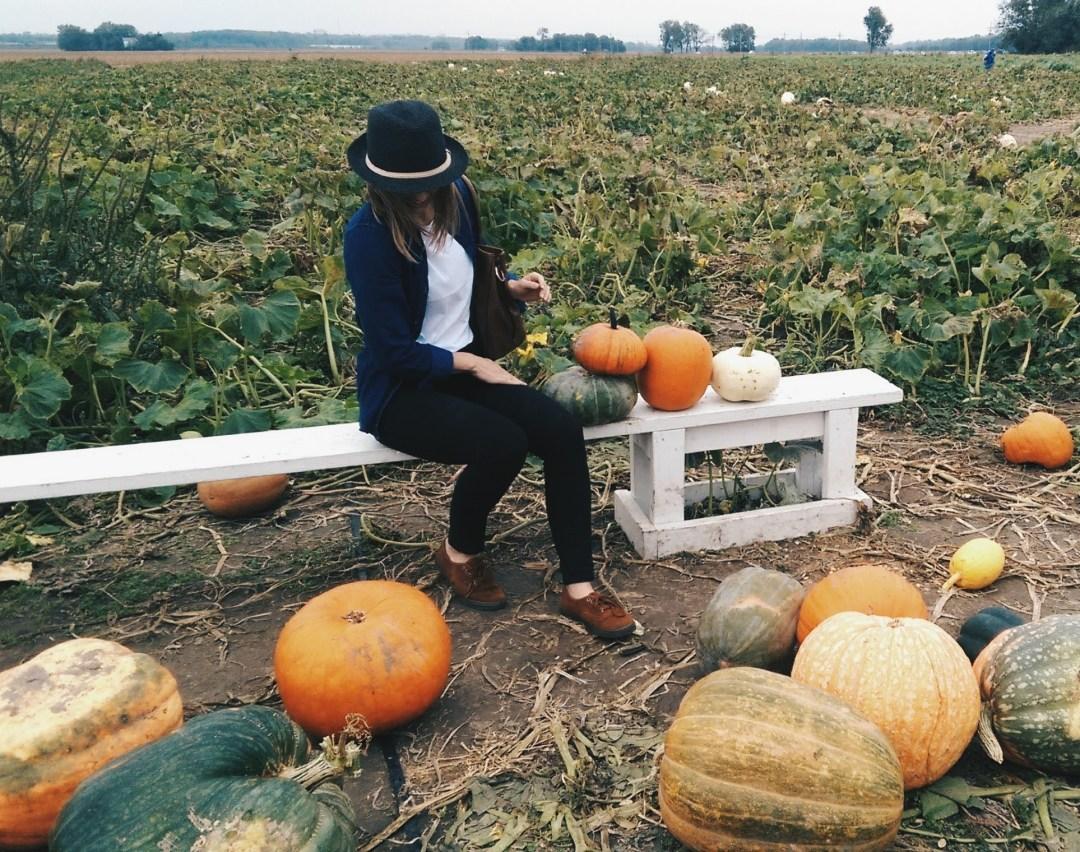 ByManna Margo Picking Pumpkins