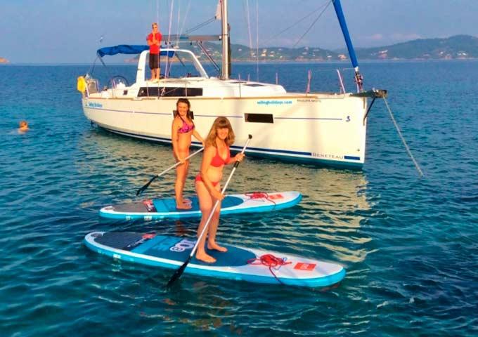 El paddle surf en un Viaje para Navegar en Velero