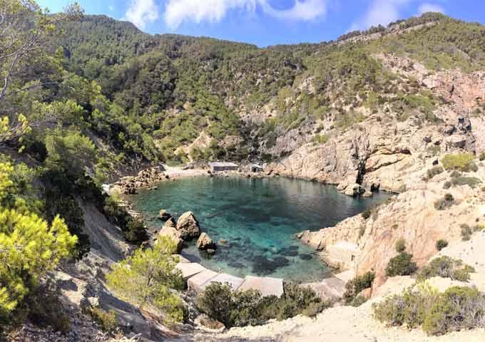 Viaje de vacaciones en velero a Ibiza y Formentera - Cala Cerrada