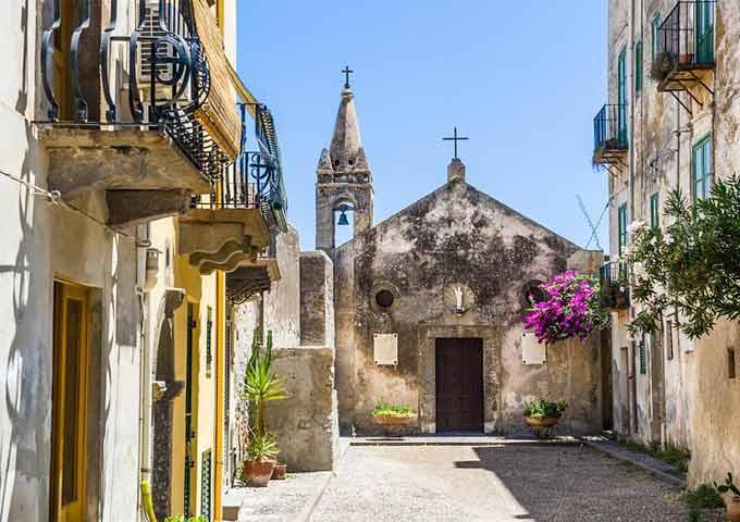 Calle de Lipari en Sicilia