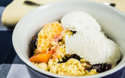 Peach Blueberry Crumble Cobbler
