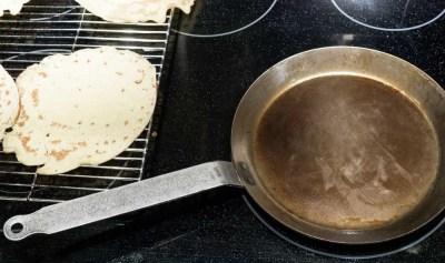 Crepe pan heating