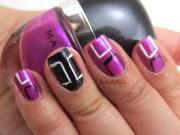 graphic square nail art sig