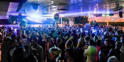 Venerdì The Beach Milano | Info e prenotazioni +39 393 4601143