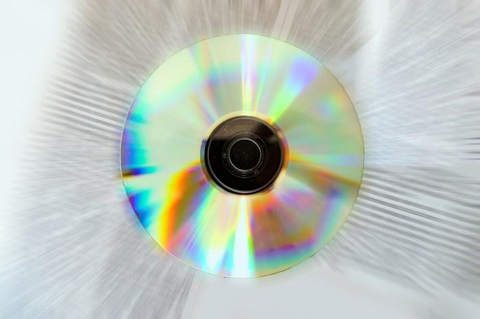cd-3524309_1280.jpg