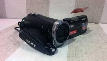Sony-PJ330-1