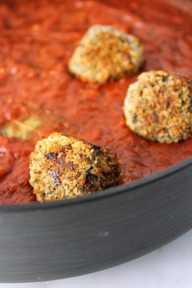 Vegetarian Eggplant Meatballs | These protein-packed, plant-based meatballs taste just like the real deal and are guaranteed to be a hit with vegetarians and carnivores alike! www.bytesizednutrition.com
