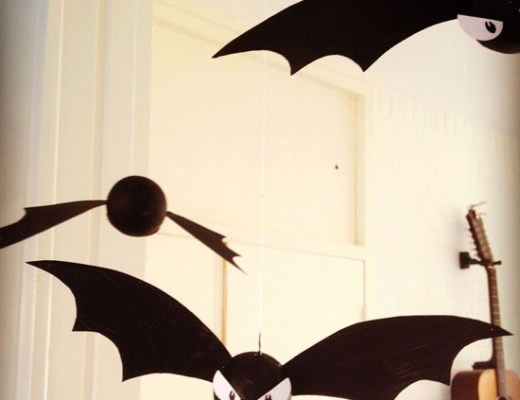 DIY - Halloween decoration: Bat tutorial!