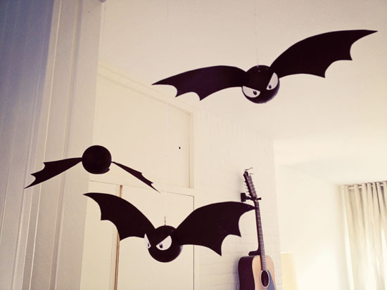 diy halloween decoration bats