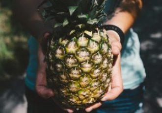 Tegen een muur aanlopen en dan een ananas krijgen om het goed te maken