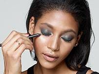 2017-05-31-stores-classes-image-smoky-eye-d-slice