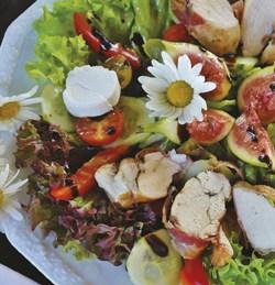 Salade de chèvre et poulet au miel