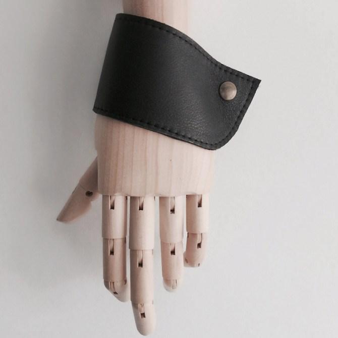 Leren manchetten zwart | Triple Pink | C-More Concept Store