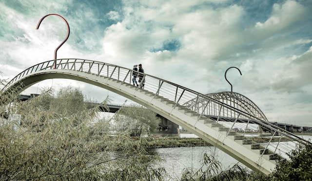 Nijmeegse Knaapjes inspiratie bruggen van Nijmegen bij C-More Concept Store