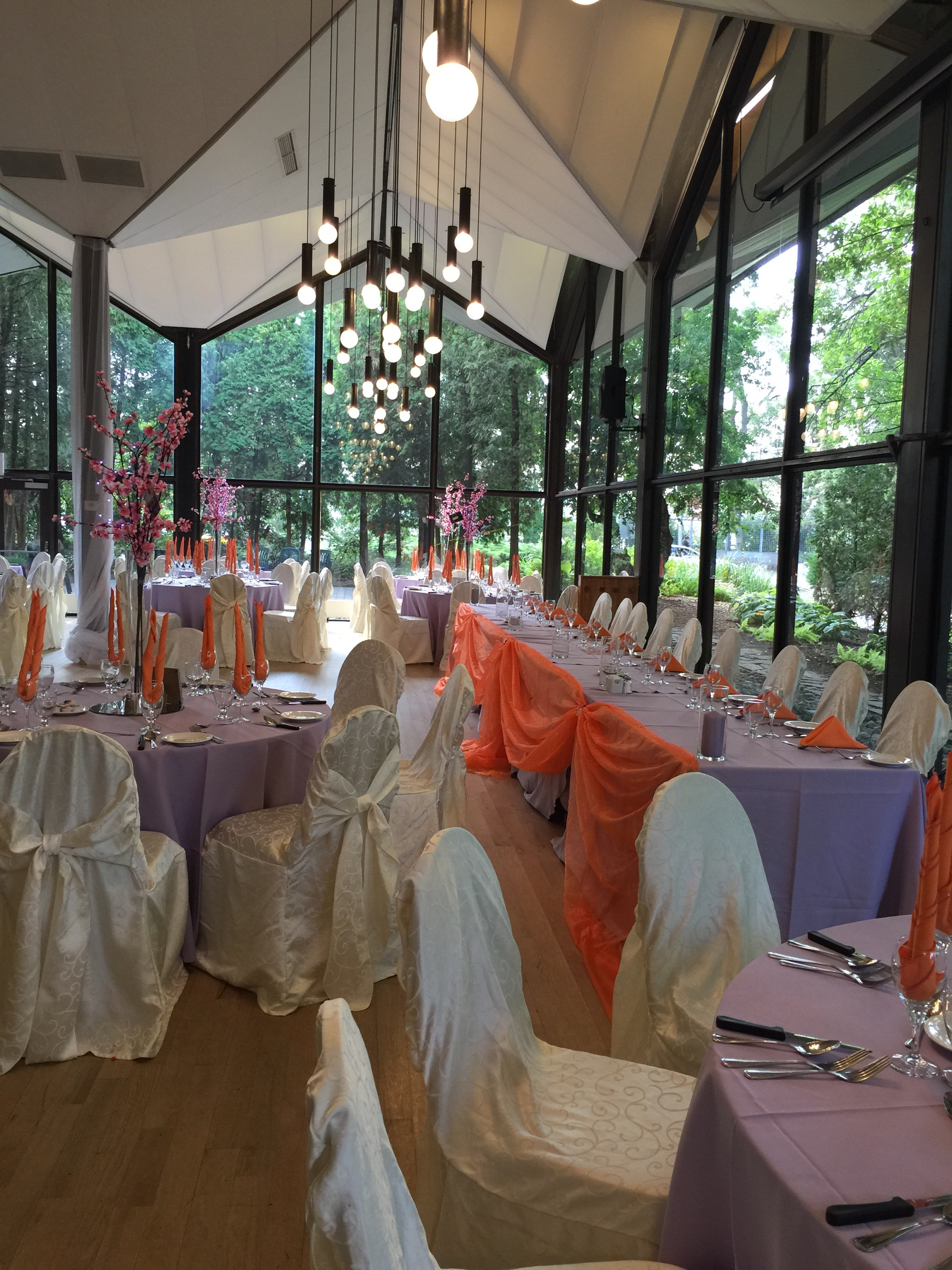 wedding chair covers montreal chiavari rental chairs isabelle and christians la tundra travel themed